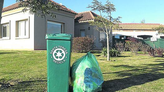 Las bolsas verdes, cada vez en más countries bonaerenses